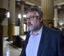 Vidal mandó a su ministro de Trabajo a decir que los gremios hacen paro para ver el Mundial