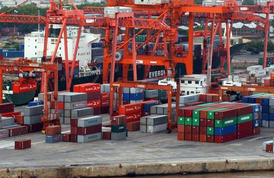 Temor por posibles 200 despidos en el Puerto de Buenos Aires
