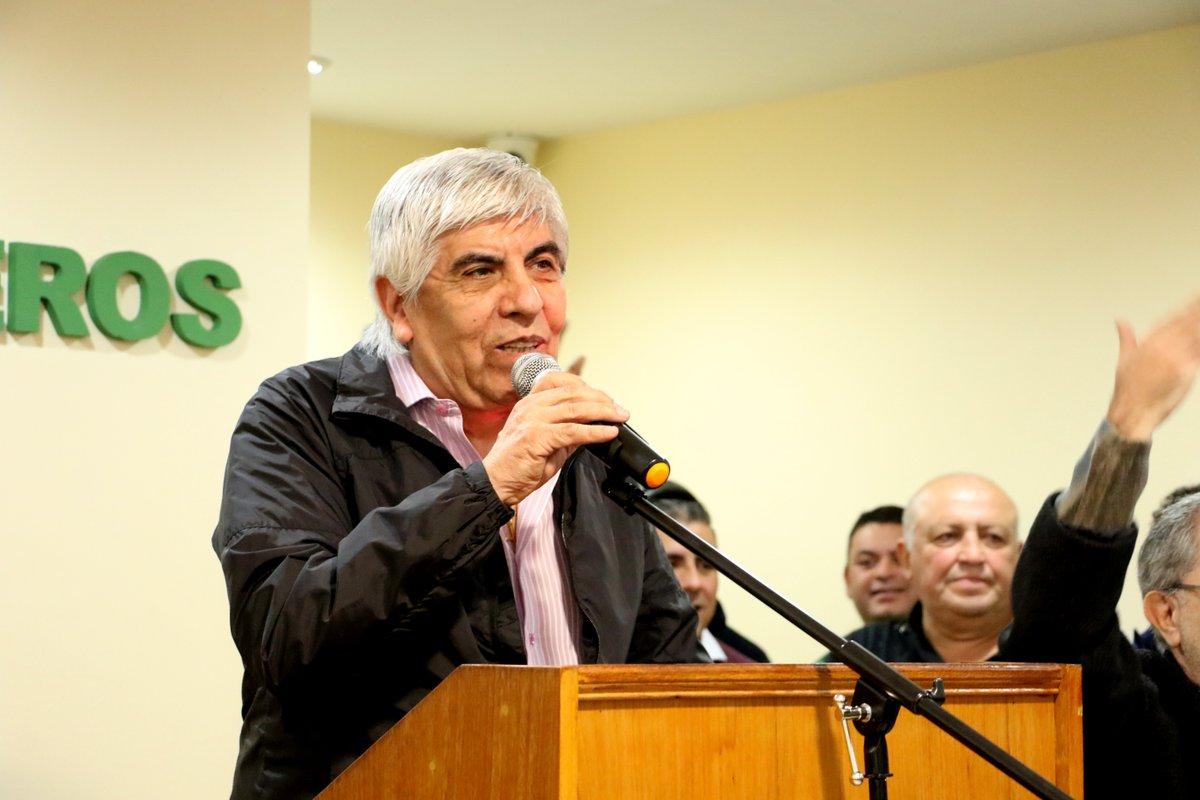 """Se plantó Moyano: """"Si el martes no tenemos respuesta, el jueves vamos al paro nacional"""""""
