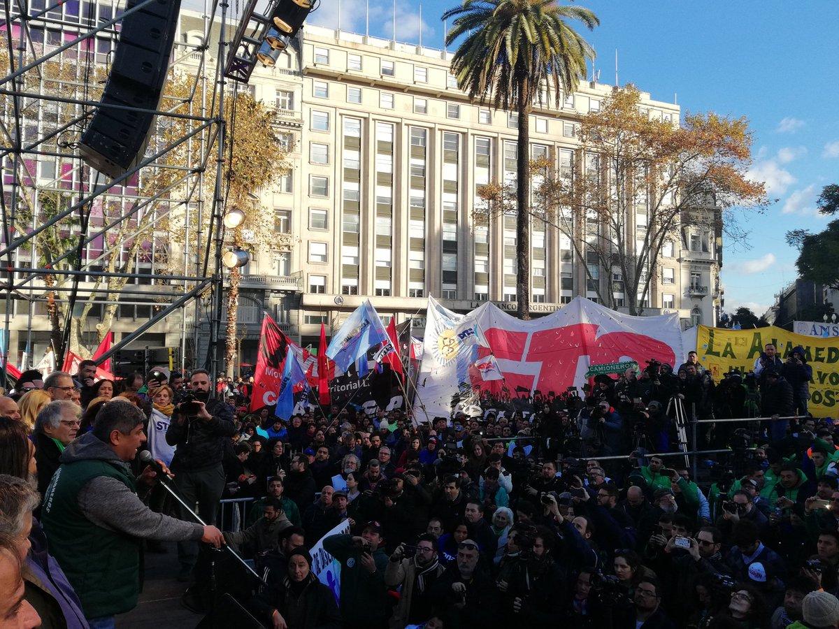 El moyanismo y las CTA colmaron la Plaza de Mayo y prometieron más protestas