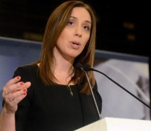 Vidal le dijo a los empresarios que Cambiemos avanzará con el blanqueo laboral