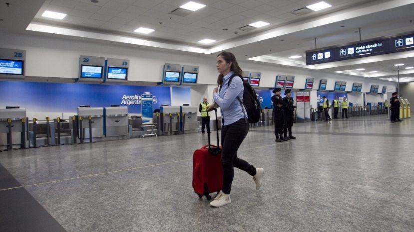 Contra la política aerocomercial, paro total aeronáutico en el inicio de las vacaciones de invierno
