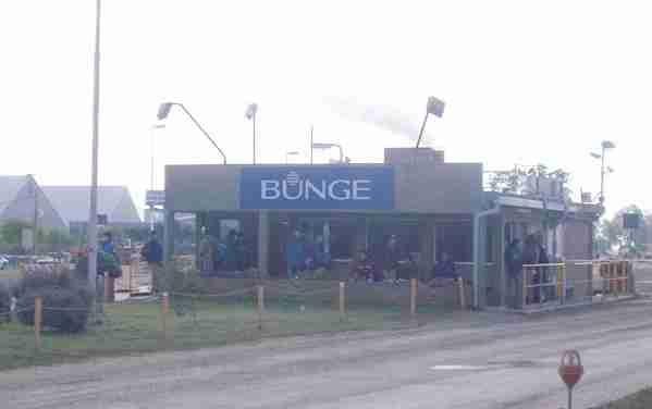 Despidos masivos, suspensiones y lock out patronal en Bunge