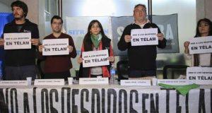 Suelta de libros contra los despidos en Télam