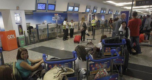 Conciliación obligatoria para que los aeronáuticos no paralicen el inicio de las vacaciones de invierno