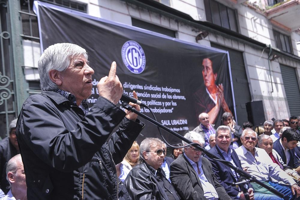 Triaca ya se quedó con más de 300 millones de pesos de Camioneros