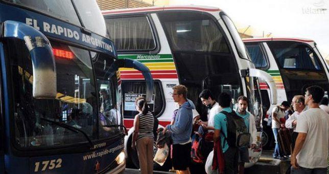 Para paliar la crisis de la actividad, impulsan viajes low cost para micros