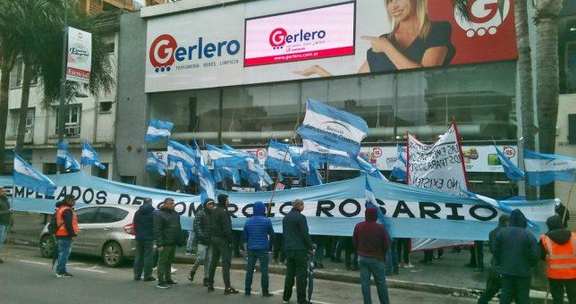 Despidos y protestas en Gerlero, una histórica cadena comercial rosarina