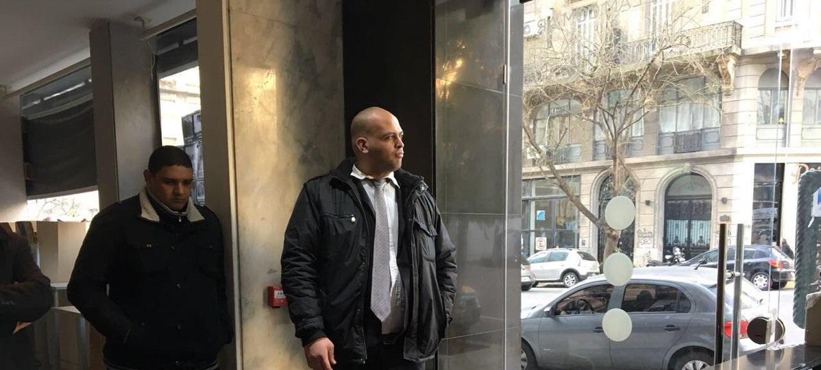 Lombardi intentó dejar fuera de Telam con patovicas a los despedidos, pese a los fallos de la Justicia