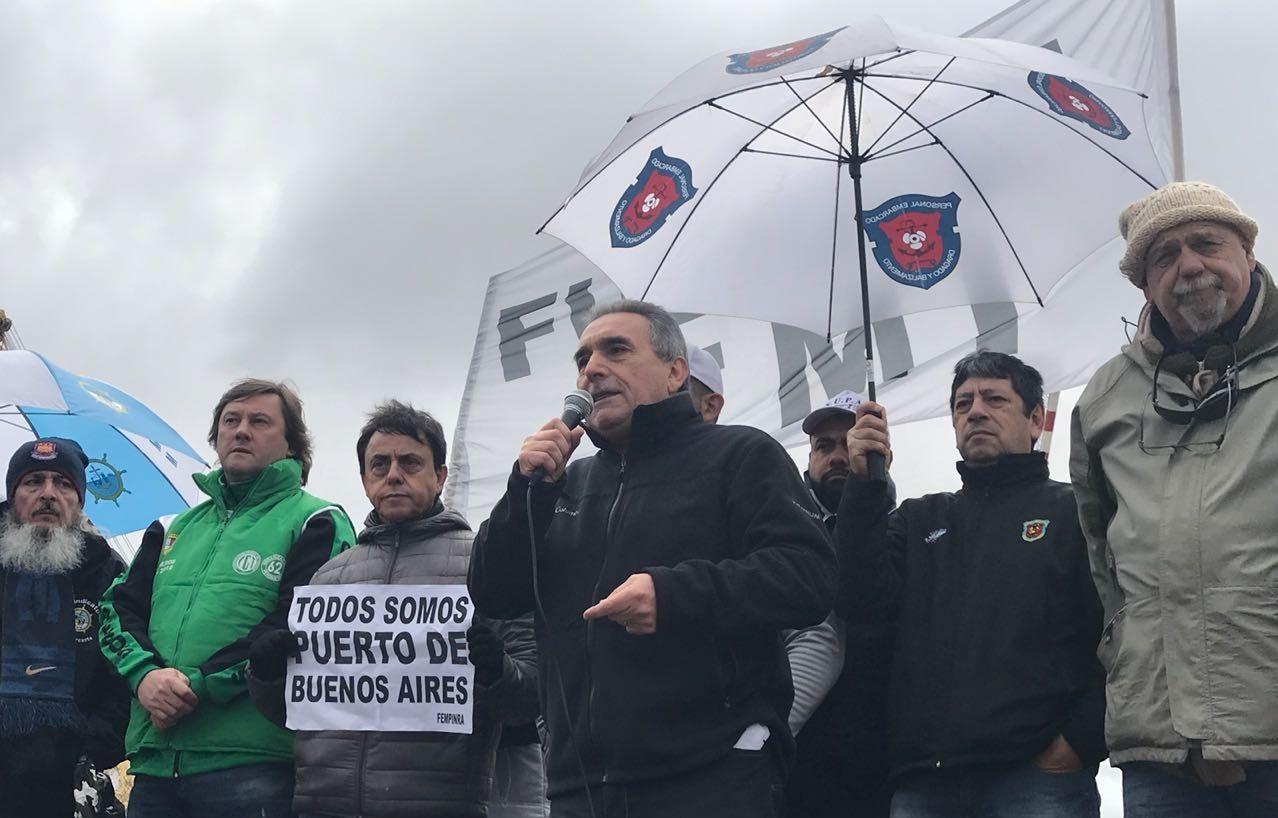 Tras un acampe de más de 40 días, garantizan la continuidad de los 160 empleados del Puerto de Buenos Aires