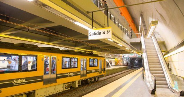 Metrodelegados denuncian que Larreta y Metrovías busca destruir las formaciones con material cancerígeno