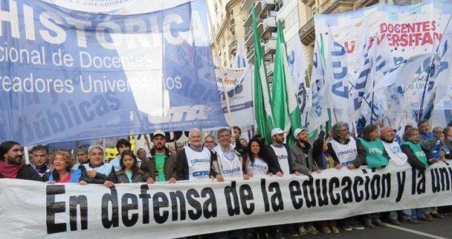 Con las universidades paralizadas, confirman que convocarán a los docentes a paritarias