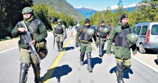 Otra de la Gendarmería en Chubut: apretó trabajadores para que levantaran una huelga