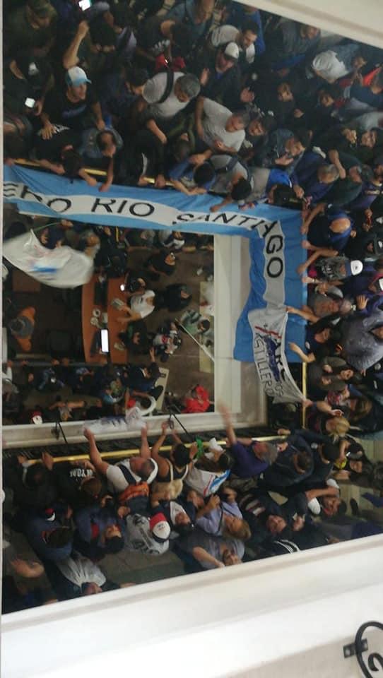 El ministerio de economía bonaerense copado por los trabajadores de Astilleros