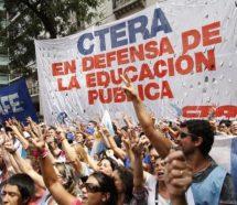 """Los docentes vuelven a parar en todo el país la semana próxima """"en defensa del presupuesto educativo"""""""
