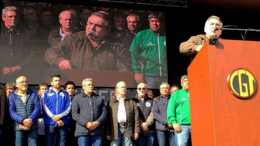 Pablo Moyano anunció la renuncia de Schmid y desató un tembladeral en la CGT