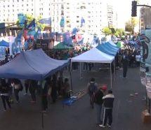 Gremios y movimientos sociales se movilizan al Congreso para protestar contra el Presupuesto