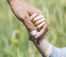Extienden las licencias por paternidad para estatales porteños