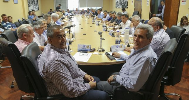 La CGT aceptó el bono del Gobierno y levanta el paro