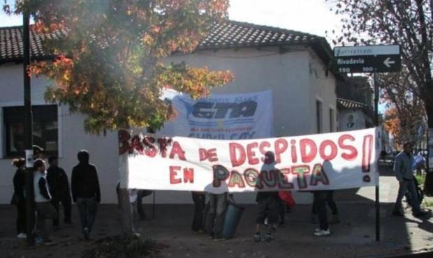 La empresa de calzado Paquetá suspendió a sus 650 empleados que temen un cierre definitivo