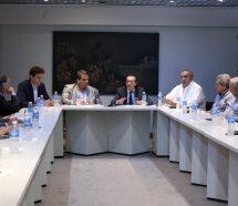 """El Gobierno manda a la CGT a negociar el bono """"acordado"""" por sector y calienta la chance de paro"""