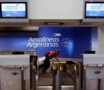 Por el incumplimiento salarial y las suspensiones masivas, el lunes habrá paro total en Aerolíneas Argentinas