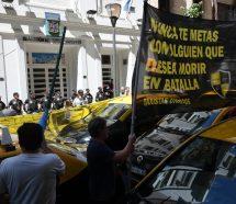 AFA dio a conocer su acuerdo con UBER en medio de una protesta de taxistas