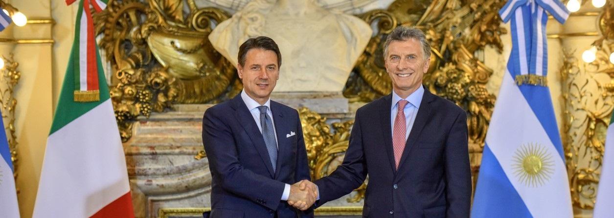 La plana mayor de la CGT gambeteó la invitación al cocktail para el primer ministro italiano