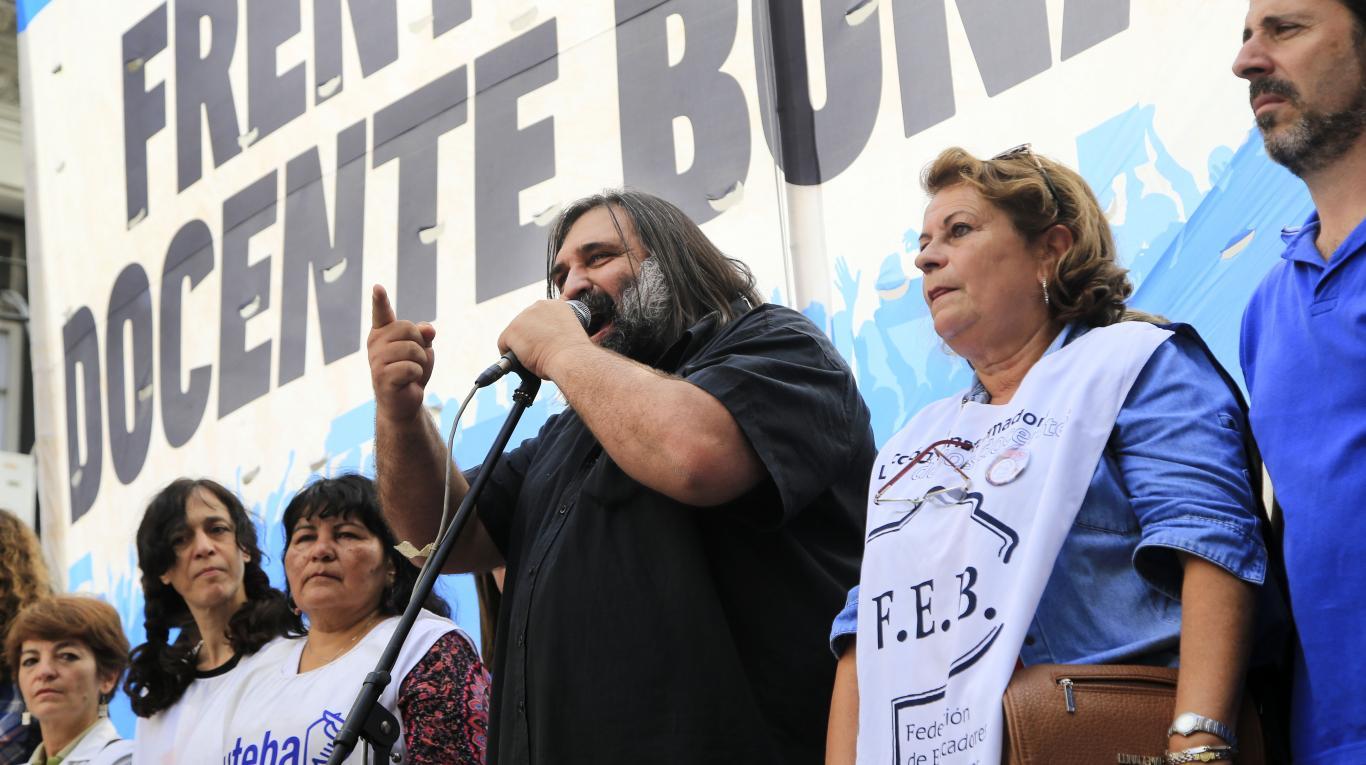 Los docentes vuelven al paro para rechazar la oferta de $108 de Vidal