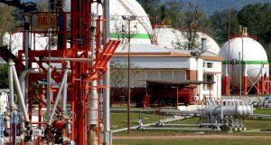 Rumores de cierre en Refinor por falta de gas y peligran 500 empleos
