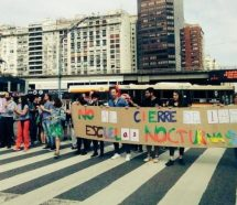 Los docentes porteños profundizan las protestas contra el cierre de escuelas nocturnas