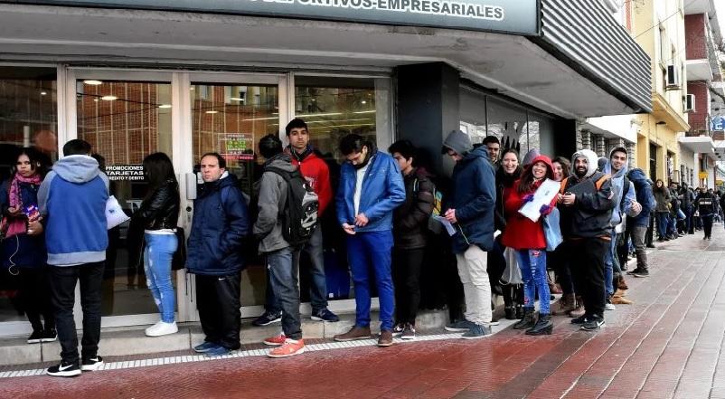 Hay 114 mil personas que buscan empleo en Mar del Plata