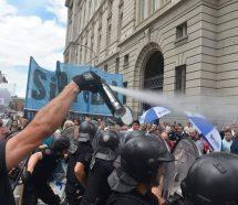 Dura represión a periodistas de los medios públicos que reclamaban paritarias