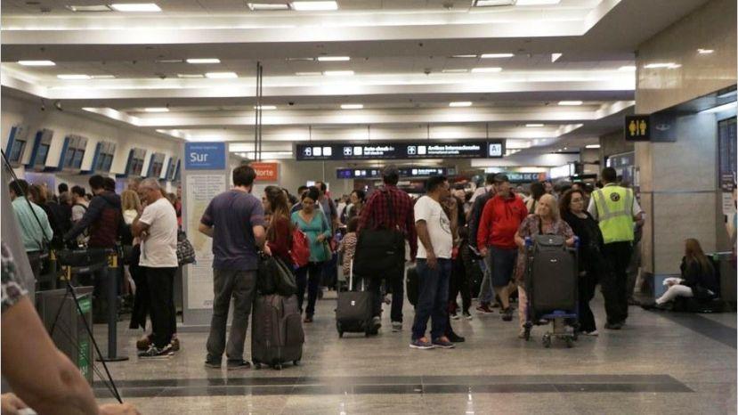 El Gobierno cambió la estrategia, dictó conciliación obligatoria y el 27 habrá vuelos