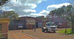 La histórica fábrica de terciados Henter para su actividad y 130 pasarán las fiestas suspendidos