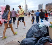 A horas de cumplir un mes, el paro de municipales deja sin control y con basura a Mar del Plata