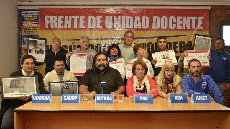 """Los docentes ya le piden a Vidal la """"urgente"""" convocatoria a paritarias para que comiencen las clases"""