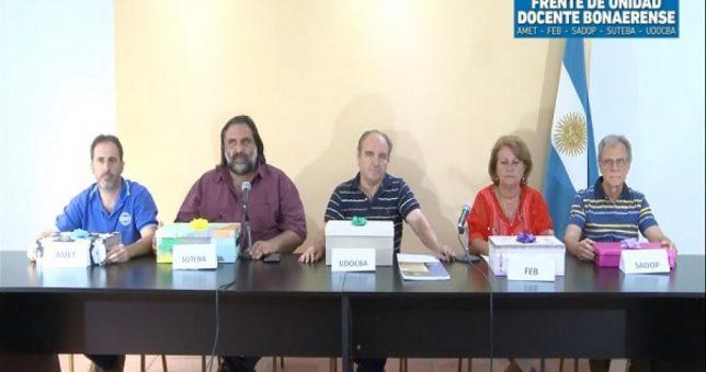 """Los docentes cerraron el año recordando que Vidal paga """"salarios miserables y en negro"""""""