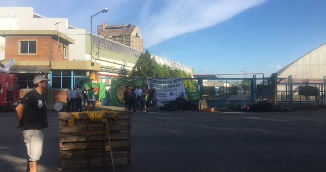 Aceiteros piden una audiencia a Sica y advierten que Cofco cierra su planta para presionar al Gobierno