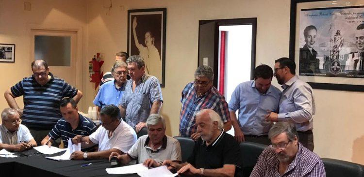 Tras la feroz interna, Roberto Fernandez asumió un nuevo mandato al frente de la UTA