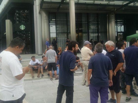 Acampe en el diario La Nación tras los despidos