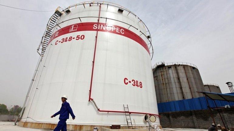 """""""SINOPEC perforaba 98 pozos al año en 2011 y el año pasado terminó perforando 14"""""""