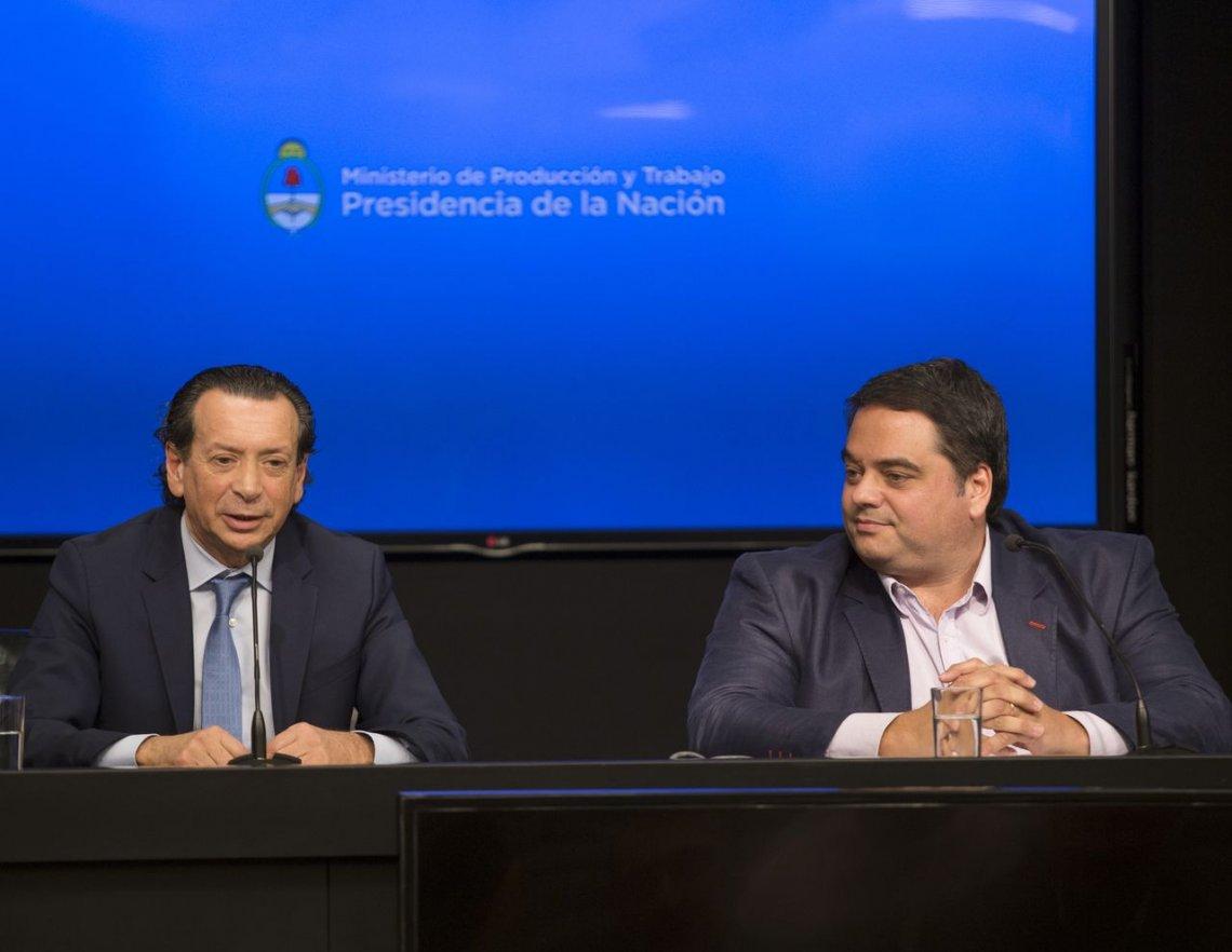 Denuncia a Triaca y Sica por negociar con seguros en los sindicatos intervenidos