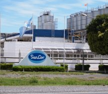 Reducción salarial, suspensiones y posibles traslados en las plantas que Adecoagro le compró a Sancor