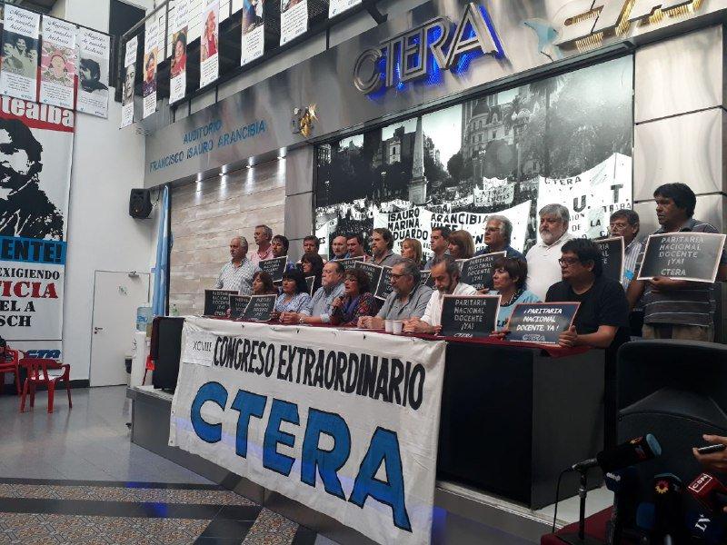 Aulas vacías: CTERA resolvió un paro por 72 horas y una movilización en reclamo de paritaria nacional
