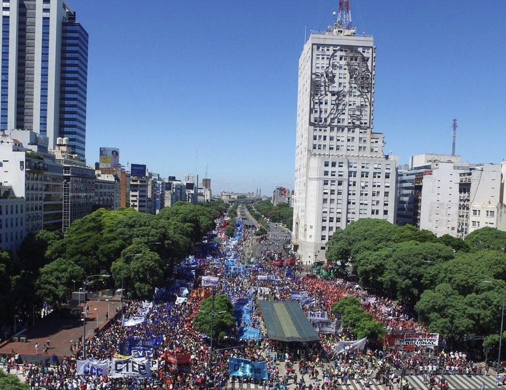 Las organizaciones sociales volvieron a mostrar su poder y movilizaron más de un millón de personas