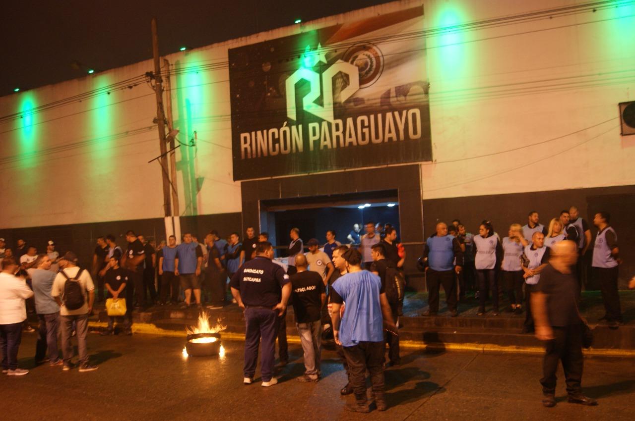 Despidos, paro, protesta y reincorporaciones en Rincón Paraguayo