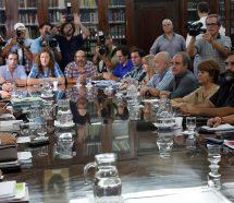 """Los docentes piden que se televisen las paritarias para que se """"blanquee"""" la discusión"""