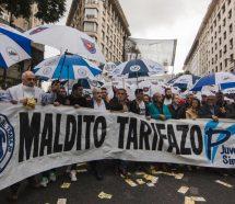 Gremios, organizaciones sociales e intendentes confluyen en una protesta contra los tarifazos