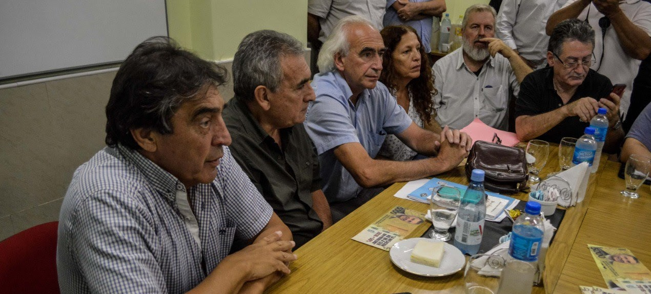 «La salida a la crisis que tiene el país está en abandonar definitivamente este programa económico»